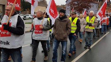 Ein Demonstrationszug von Beschäftigten der SSK